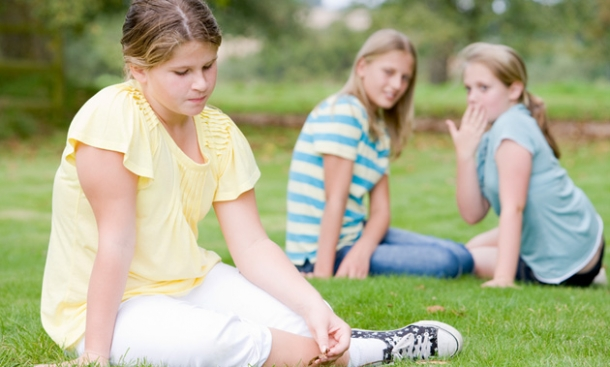 15 Clues Your Child Is Getting Bullied & What to Do About it